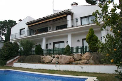 Image de Villa with gorgeous views of the sea and the port of Palamos.